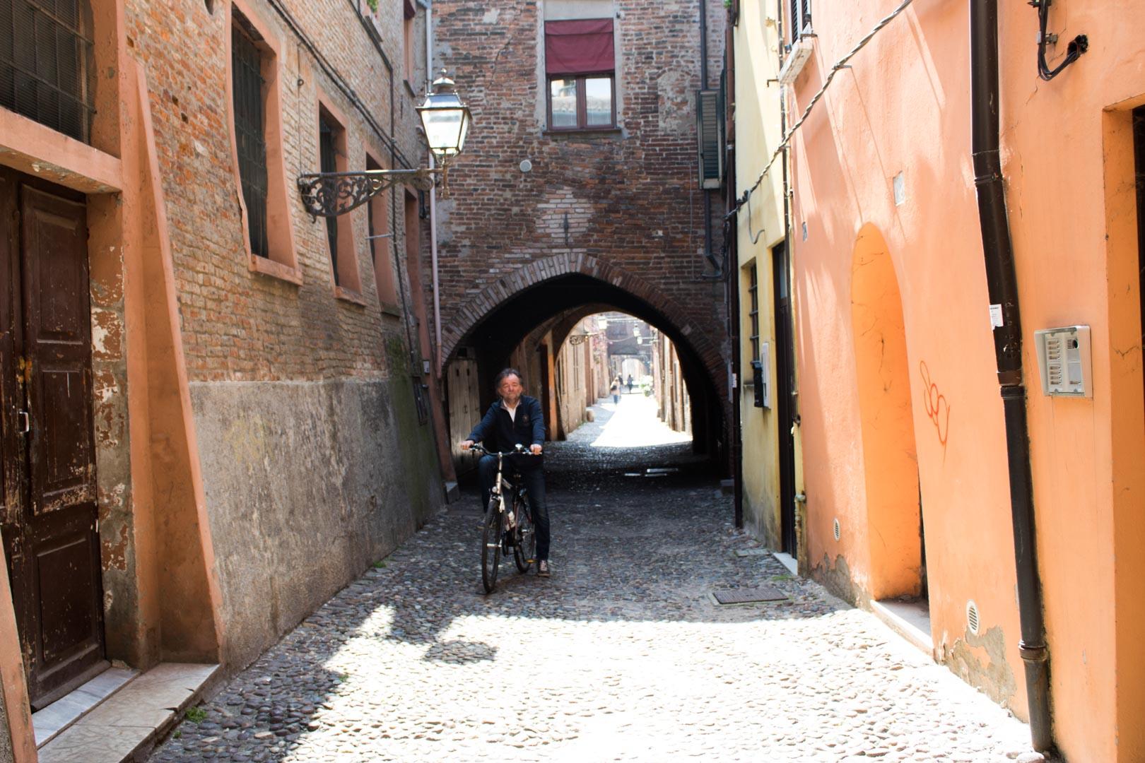 itinerario in bici a ferrara